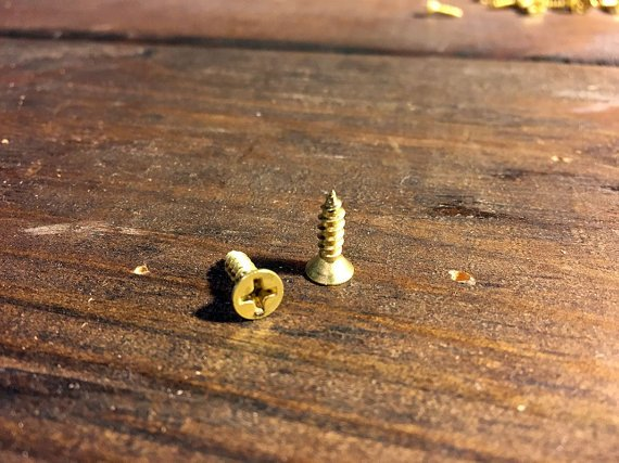 Screws for Rustic Wood Finishing